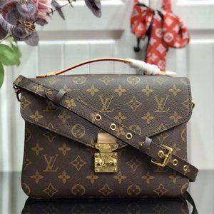 Louis Vuitton Pochette Metis Monogram Totes Bags